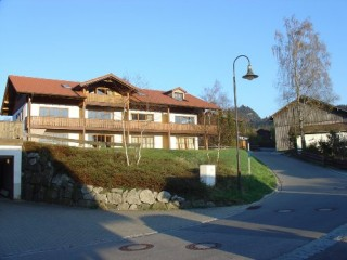 Hausansicht Berghaus Schmölz, Berghaus Schmölz   Ferienwohnung in Pfronten-Meilingen