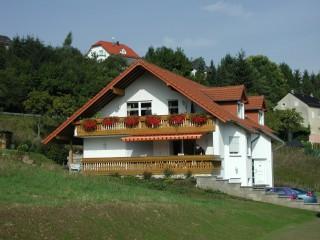 Hausansicht, Eifelhaus Golz | Ferien in der Vulkaneifel in Gönnersdorf bei Gerolstein