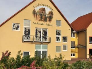 Hausansicht, Erlebnisgaststätte Sächsische Schweiz in Arnsdorf bei Dresden
