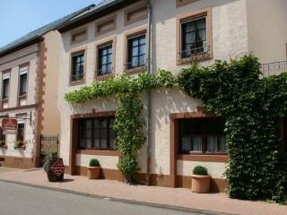 Ihr Feriendomizil Eulenhof von der Straßenseite, Ferien & Gästewohnung Eulenhof * * * *  in Minheim in Minheim, Mosel