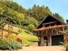 Das Ferienhaus mit umliegenden Garten