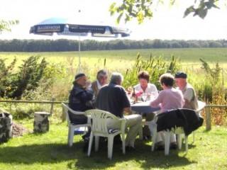 Geniessen und Erleben im Oderland, Ferienhaus,Wohnwagenstellplatz und Zeltmöglichkeit in Vierlinden OT Marxdorf