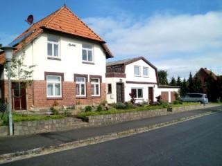 Vorderansicht Haus Alfredshöh, Ferienwohnung Alfredshöh in Osterby bei Eckernförde