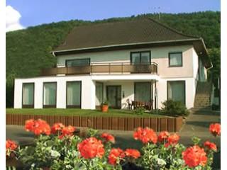 Hausansicht Ferienwohnung am Ahornweg, Ferienwohnung am Ahornweg in Bernkastel-Kues | Andel / Mosel