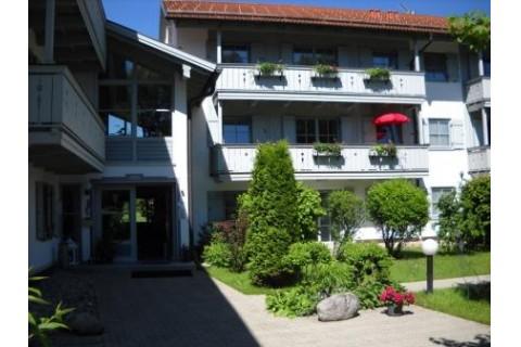 Eingang, Wohnung 1.OG, rechts