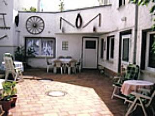 Freisitzfläche auf dem Grundstück , Ferienwohnung Becker in Thale in Thale