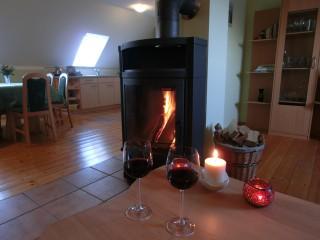Der Kamin im Wohnzimmer, Ferienwohnung Deutschbein in Kirnitzschtal OT Altendorf