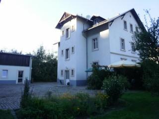 Wohnhaus mit Sitzecke, Ferienwohnung Hartmann in Dresden