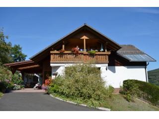Hausansicht, Ferienwohnung Haus Brigitte in Burgsinn