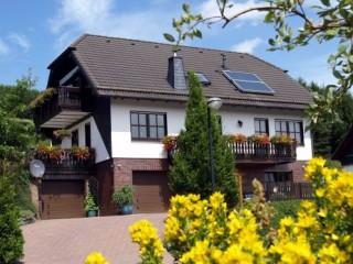 Hausansicht Sommer, Haus Felsengrund **** in Winterberg, Westfalen