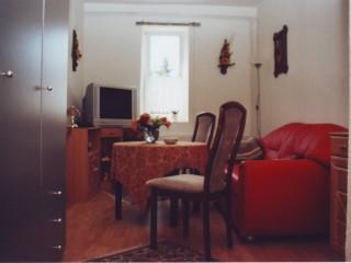 In jeden Zimmer ist ein TV Gerät vorhanden, Ferienwohnung Hildebrandt in Halberstadt OT Sargstedt