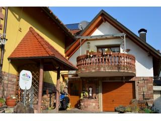 Hausansicht, Ferienwohnung Offenburg Straßburg, Baden-Baden Freudenstadt in Lauf (Baden)