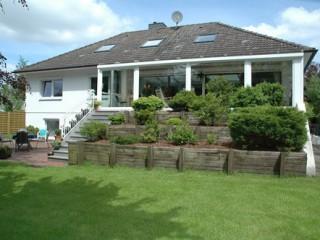 Wohnhaus mit Garten, Ferienwohnung Rönnau in Breiholz