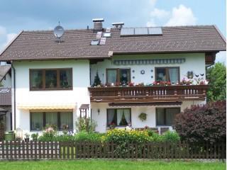 Hausansicht Ferienwohnung Rosina Lackerschmid, Ferienwohnung Rosina Lackerschmid in Bernau am Chiemsee