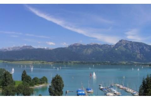 See- und Bergblick vom Balkon