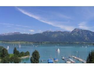See- und Bergblick vom Balkon, Ferienwohnung Seewinkel in Rieden am Forggensee