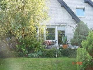 Blick auf die FW mit Terrasse, Ferienwohnung & Gästewohnung bei Stralsund in Groß Lüdershagen