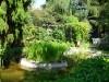 Gartenteich und gemütliche Sitzecken