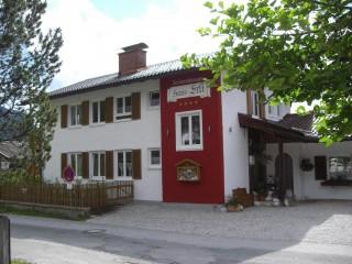 Eingangsbereich Haus Erli, Ferienwohnungen Haus Erli   * * * * in Mittenwald
