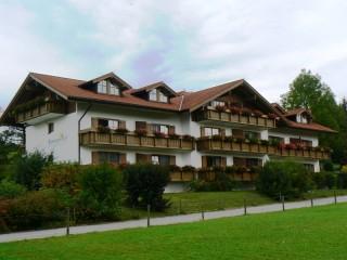 Sonnenhof - Südseite, Ferienwohnungen Sonnenhof in Seeg