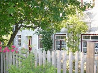 Aussenansicht mit Garten, Ferienwohung & Gästewohnung | Hohenlinden in Hohenlinden