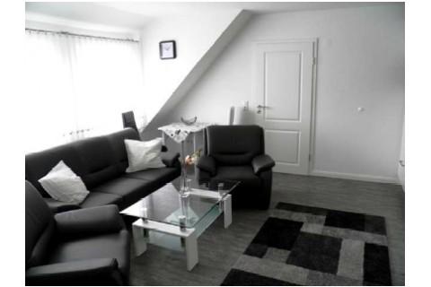 Wohnzimmer/ Wohnung Bovenan-Black