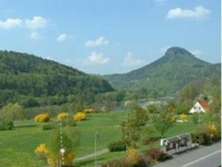Blick aus ihrer Dachwohnung, Ferienhaus & Gästehaus
