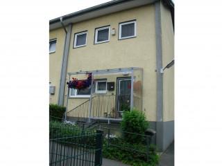 Hausansicht, Ferienwohnung und Gästezimmer Monteurzimmer in Berlin in Berlin