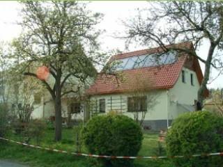 Blick auf Waldhaus, Gaststätte und Pension Waldhaus in Remptendorf