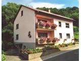 Haus am Waldrand - Ferienwohnungen bis zu 17 Personen in Hammelburg