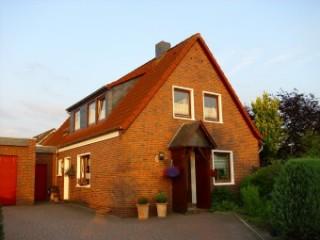 Haus Heike ink. Stellplatz (rechts), Ferienwohnung in Friesland Nordsee | Haus Heike | in Zetel