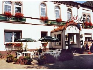 Hausansicht, Hotel Landgasthaus & Fleischerei Hufenhäuser in Wallhausen bei Sangerhausen