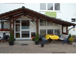 , Hotel und Pension Tannenhof in Breckenheim