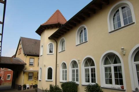 Schlosshof Dolgesheim