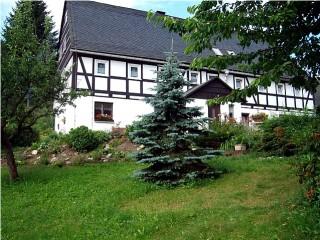 Eines der schönsten Fachwerkhäuser der Gegend, Landhaus Ferienwohnung Berger in Altenberg, Erzgebirge OT Kurort Kipsdorf