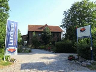 , Landhaus Hofmann | Ferienwohnungen in Glowe-Polchow