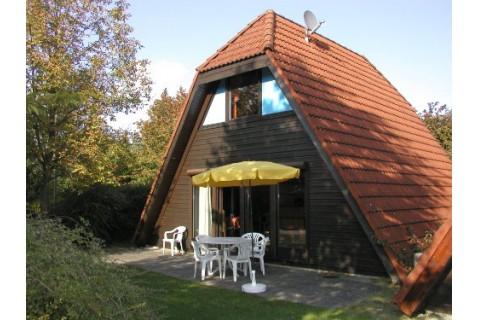 Nurdachhaus Bodensee - Gartenansicht