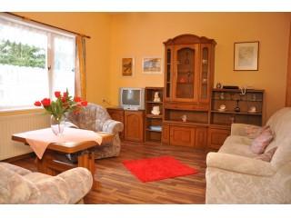 Wohnzimmer - Appartements mit zwei Schlafzimmern, Reinsberger Dorf in Plaue, Thüringen