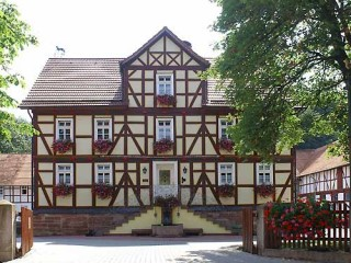 Gutshaus, Reiter und Ferienhof Gut-Dankerode | Ferienwohnungen in Rotenburg an der Fulda