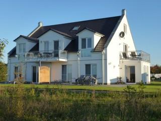 Hausansicht vom Golfplatz, Villa Royal - Urlaub vom Feinsten in Göhren-Lebbin