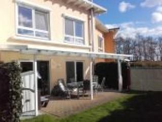 Garten mit überdachter Terrasse, Wohnpark Weser Haus 2, Döse in Cuxhaven